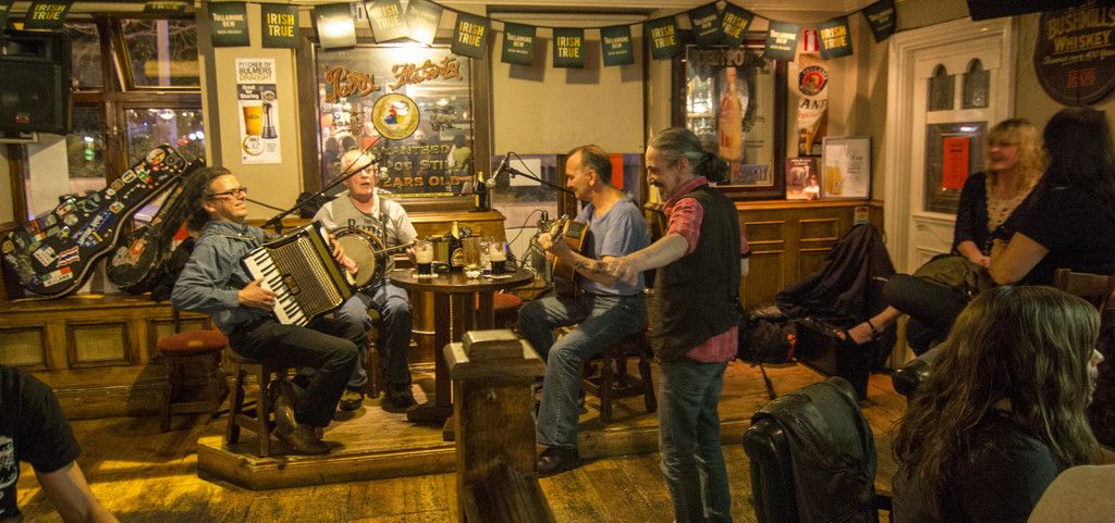 Joy and cheer - Live music in Darkey Kelly's